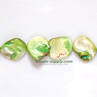 Dyed Mother of Pearl Chips in 20mm - Click Image to Close